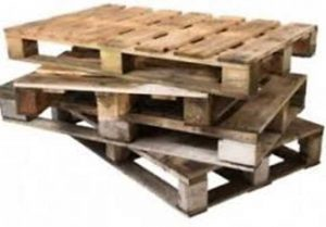 Wooden pallets - raw material for the fireplace